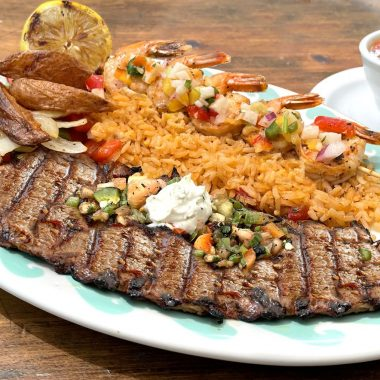 CARNE ASADA Y CAMARONES Dish